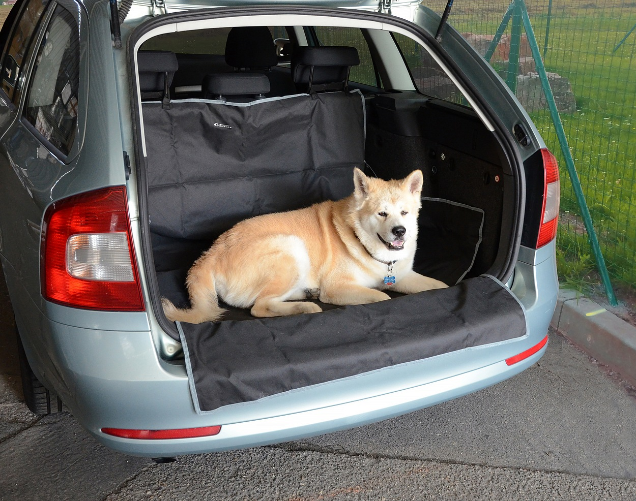 Deka ochranná do kufru