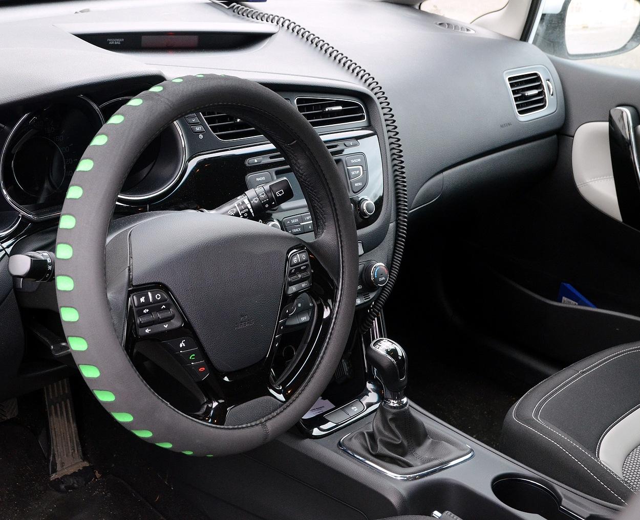 Potah volantu SOFT zelený