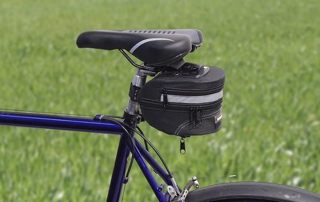 Cyklotaška pod sedlo s klipem